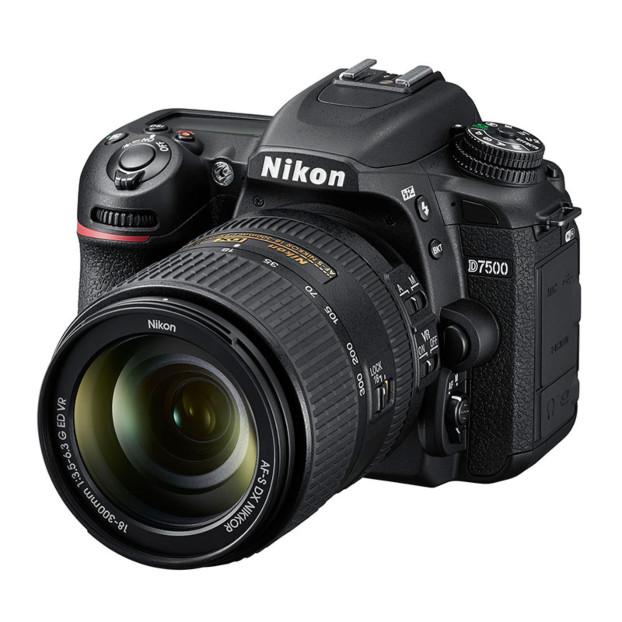 Nikon D7500 + AF-S DX 18-300mm F3.5-5.6 VR
