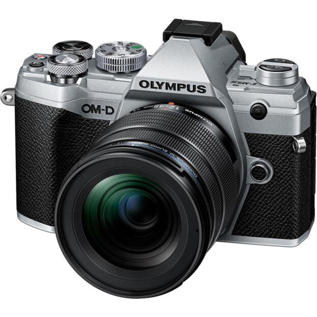 Olympus OM-D E-M5 mark III zilver + 12-45mm f/4.0 Pro