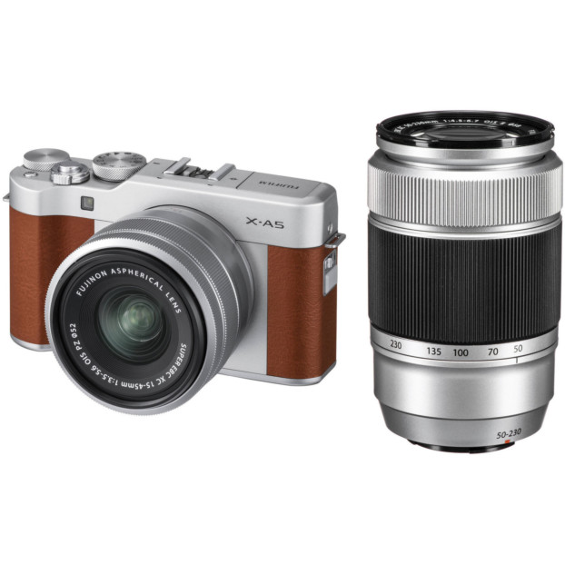Fujifilm X-A5 Bruin + 15-45mm + 50-230mm