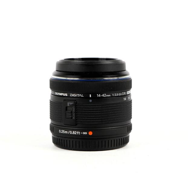 Olympus M.Zuiko Digital 14-42mm f3.5-5.6 II R zwart Occasion 9867