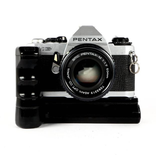 Pentax MG + 50mm f/1.7 + Grip Occasion 9668