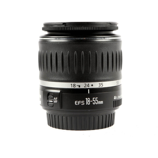 Canon EF-S 18-55mm f/3.5-5.6 USM Occasion 9978
