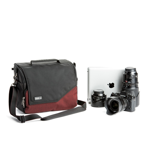 Think Tank Mirrorless Mover 30i - deep red