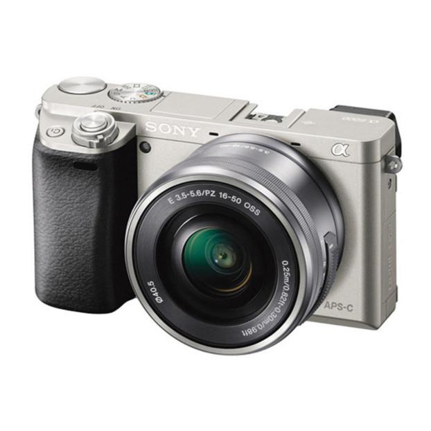 Sony A6000 zilver + 16-50mm F3.5-5.6 OSS PZ